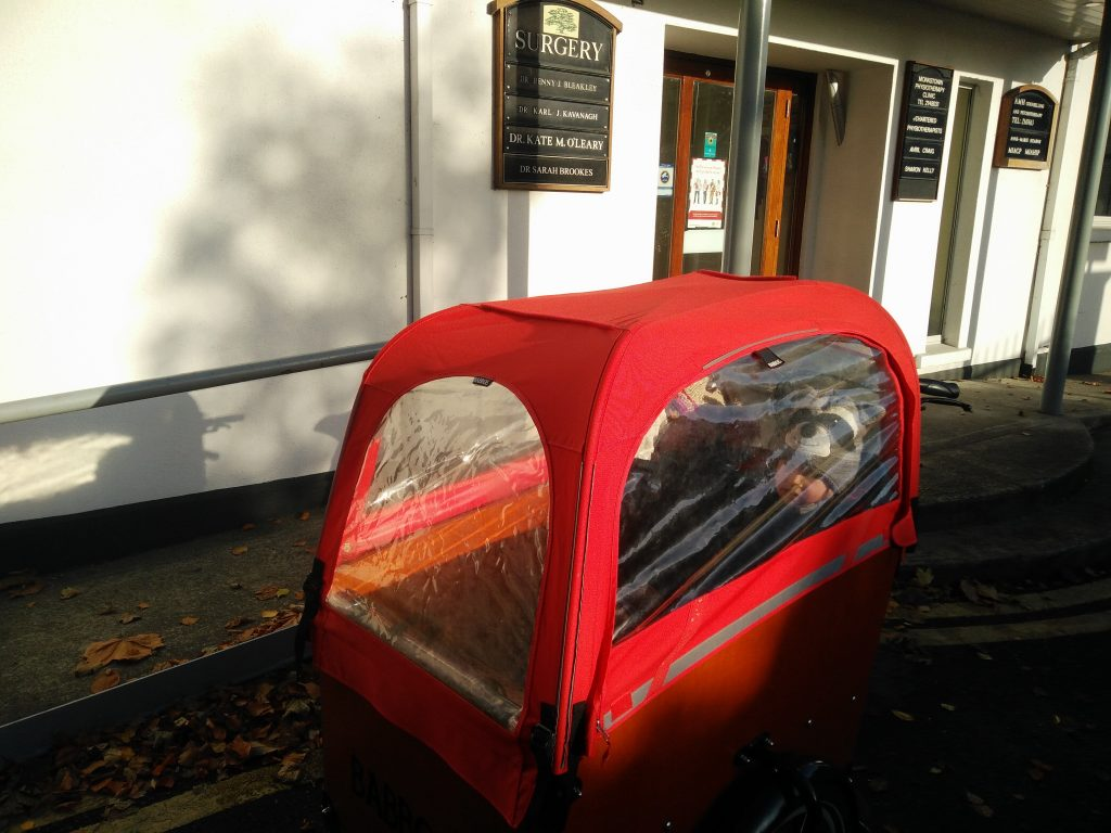 Cargo bike ambulance at the doctor!